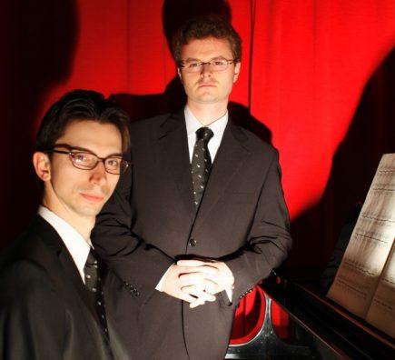 Ischia, ai Giardini La Mortella: doppio concerto di pianoforte con il duo Fossi-Gaggini al Week End in Musica