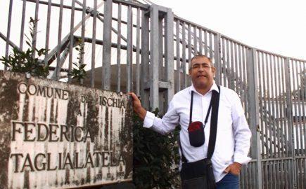 Ischia, Fondobosso: la lapide di Federica Taglialatela è annerita dalla sporcizia