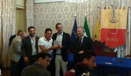Napoli, il sindaco de Magistris ha premiato l'atleta olimpionico Gianni Sasso
